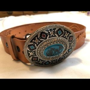 Belt +buckle